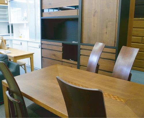 家具のカネヒロは福岡県太宰府市で、土日限定にてコストを抑えて、国産家具を中心に良いものを安く提供しています